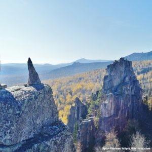 Скалы Приступки и хребет Кумардак